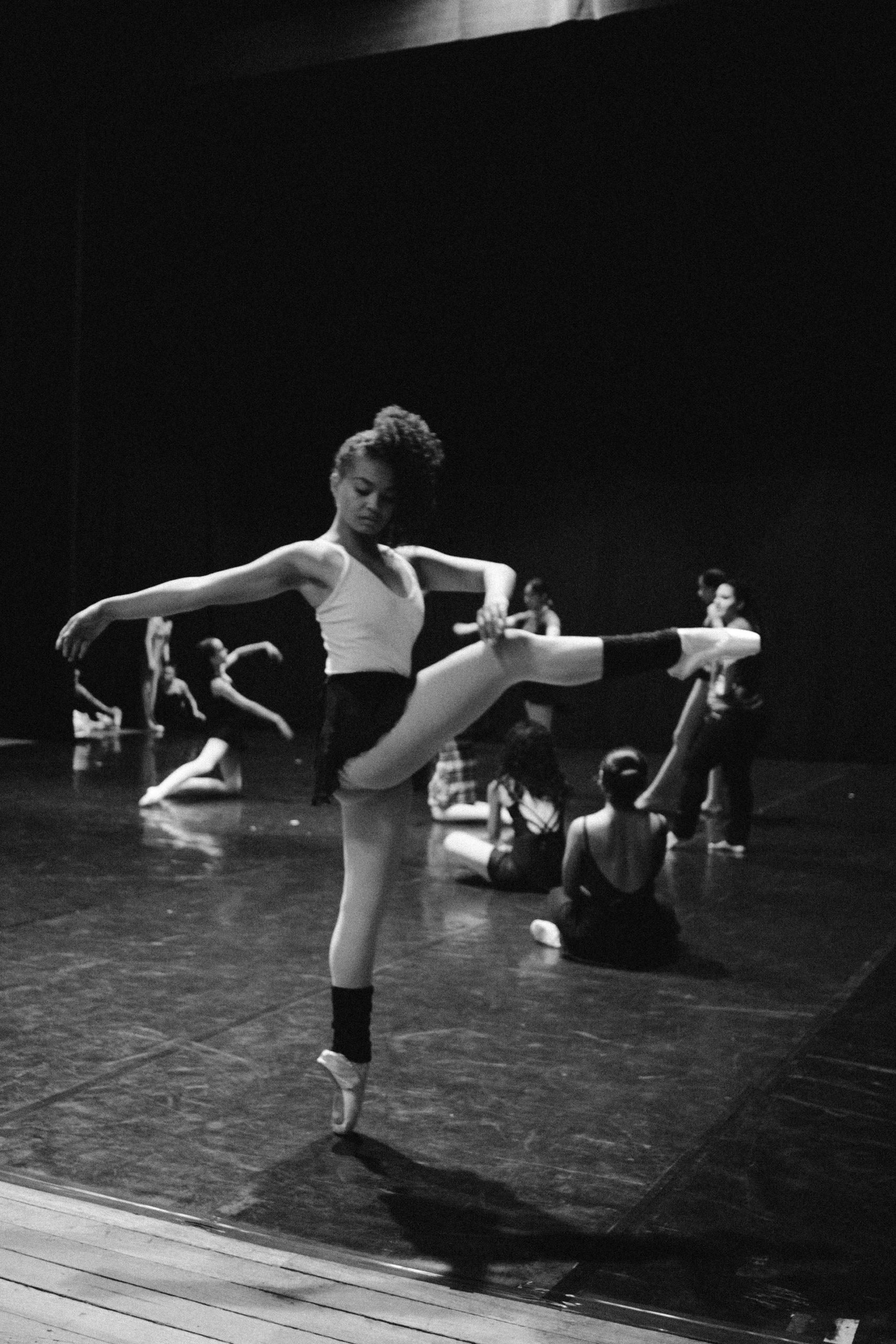 Troupe de danse à l'entrainement.